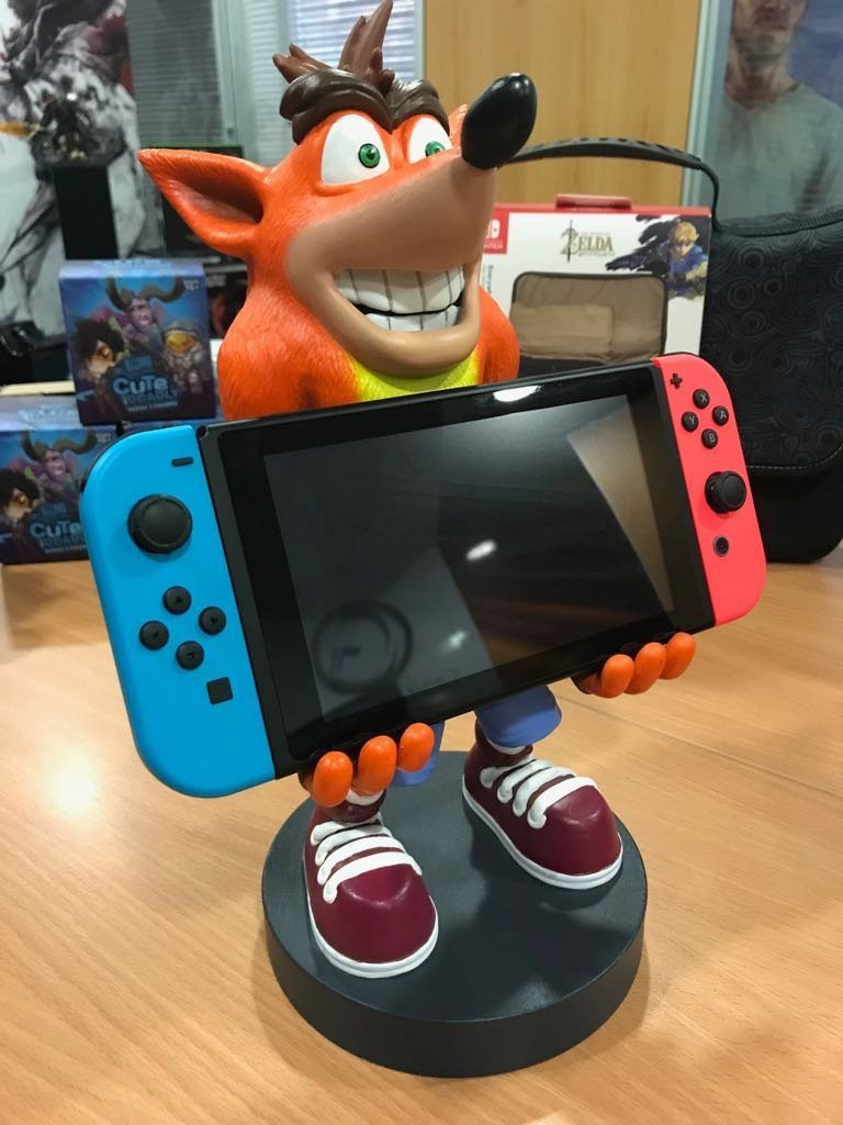 Crash Bandicoot Cable Guy (XL) stand