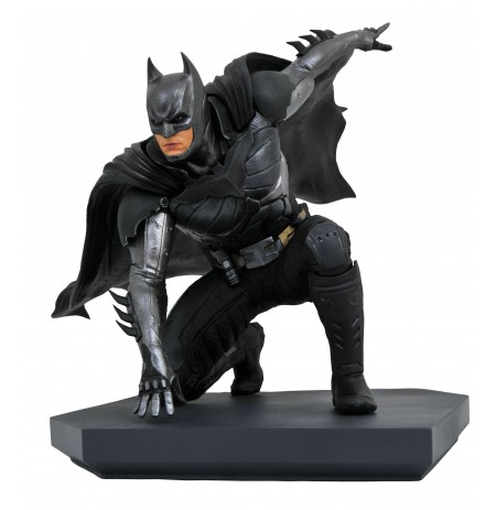 DC Gallery INJUSTICE 2 BATMAN statue | 24 cm