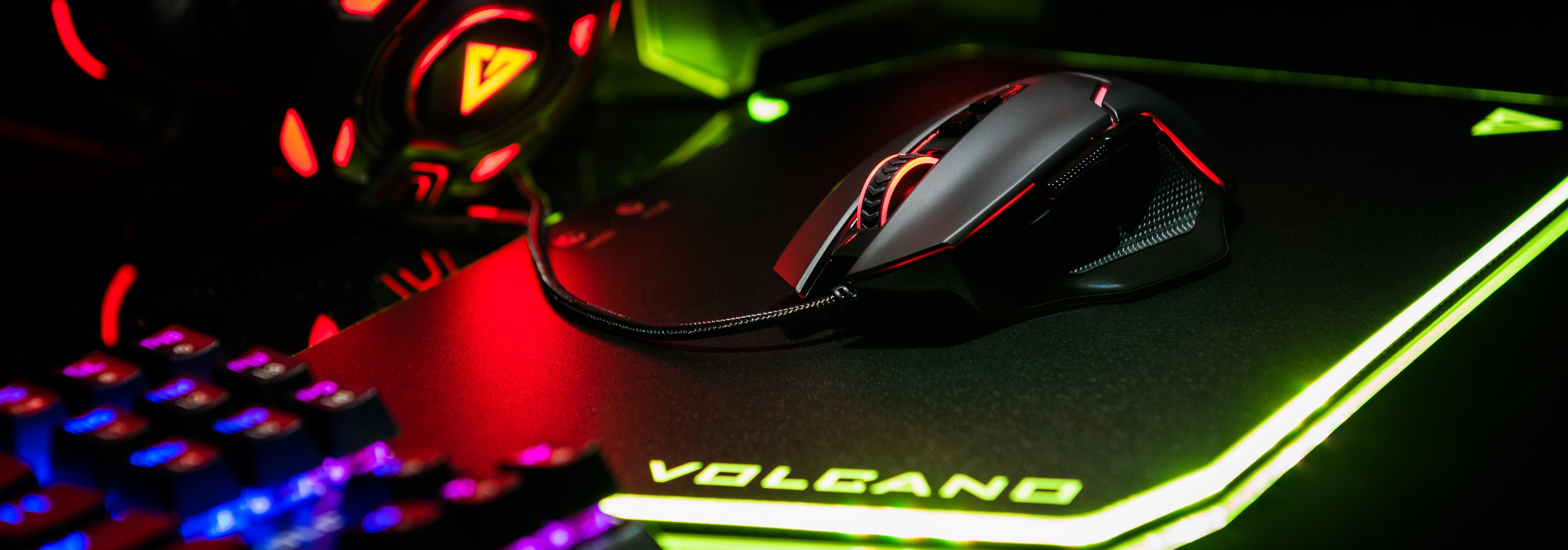 MODECOM VOLCANO GMX4 PLUS juoda laidinė optinė pelė | 7200 DPI