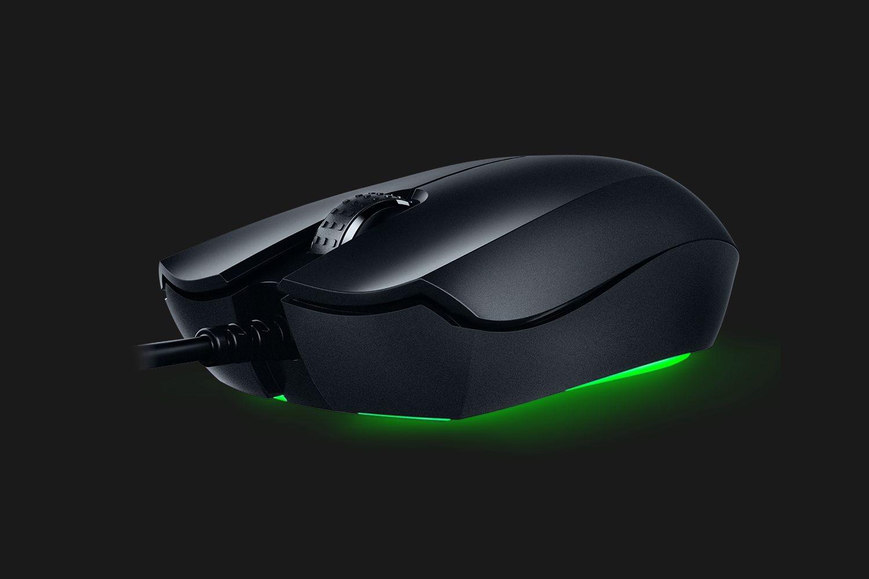 RAZER Abyssus essential CHROMA juoda laidinė optinė pelė | 7200 DPI
